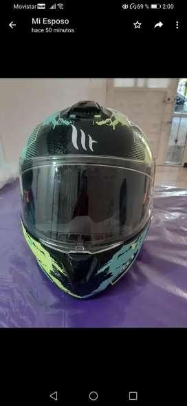 Se vende casco MT HELMES talla XL
