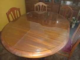 Mesa de madera extendible + vidrio + 6 sillas de pana