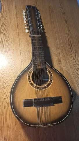 Bandola. 16 cuerdas