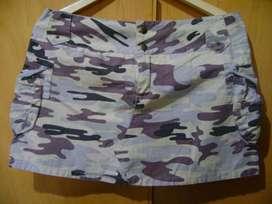 Minifalda camuflada impecable