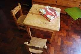 Mesa y sillas para niño