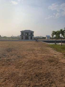 Venta de Solar al Lago en Urb. Aires del Batan,Samborondón cerca de Plaza Batan