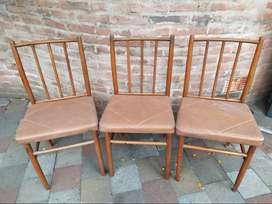 Vendo 6 sillas de madera y cuerina
