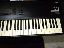 VENDO PIANO KORG M1 5 OCTAVAS EXCELTE SONIDO