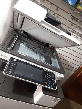 Fotocopiadora e impresora láser RICOH MP C2503305