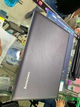 Vendo Lenovo ideapad Core i5 4 de ram