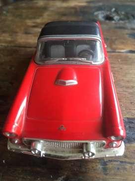 Carro de coleccion ford thunderbird 1955