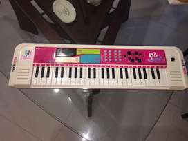Piano DE BARBIE EN EXCELENTE ESTADO