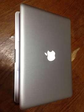 Macbook pro 13 funcionando perfecto con cargador.permuto por pc gamer,notebook o celular. o vendo ·$35.000