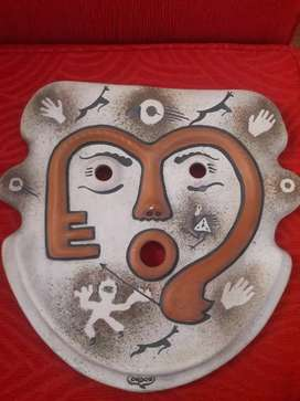 Mascara artesanal Peruana antiguo de ceramica Condori