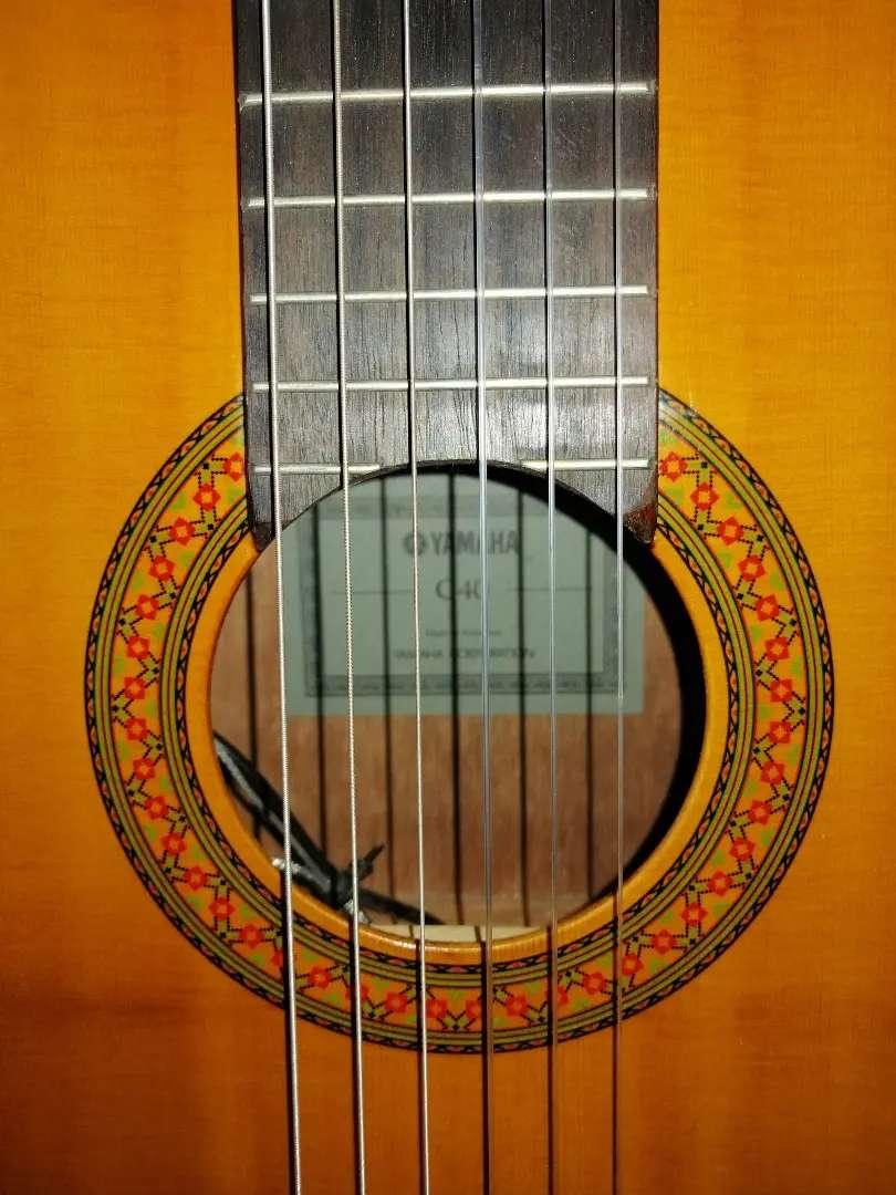 Guitarra Yamaha electroacústica C40 0