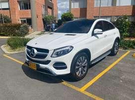 Espectacular Camioneta Mercedes Benz