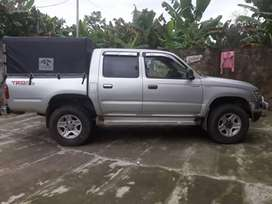 Toyota hilux full  4 x 4