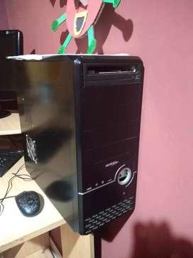 PC de escritorio + escritorio
