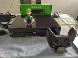 Xbox one excelente estado con muchos accesorios.