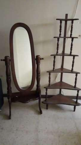 Espejo consola y repisa,se vende ambos en 300mil por separado a 150 cada uno