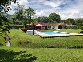 Finca Santagueda de 1 piso, lote 3150 mts, piscina privada