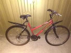Vendo bicicleta tipo playera en buen estado rin 26.