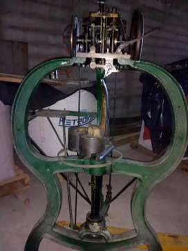 Maquina coser scatola