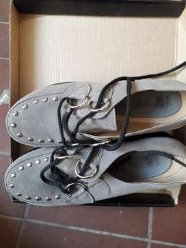 Zapatos Gris