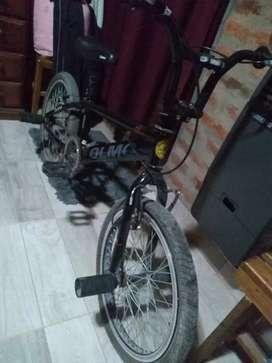 Bicicleta tipo BMX  OLMO rodado 20