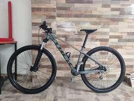 Bicicleta Trek Marlin 6 Rin 29 Talla M, solo efectivo