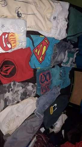 Vendo ropa usas en perfecto estado para feriantes