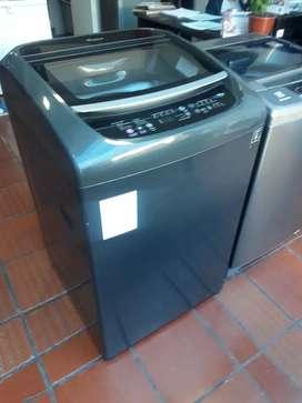 Venta. Dr lavadora  whirlpool. 32 libras  con garantía  de seis meses