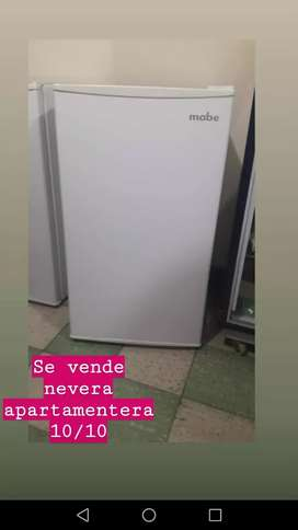 SE VENDE MINI BAR/ NEVERA APARTAMENTERA