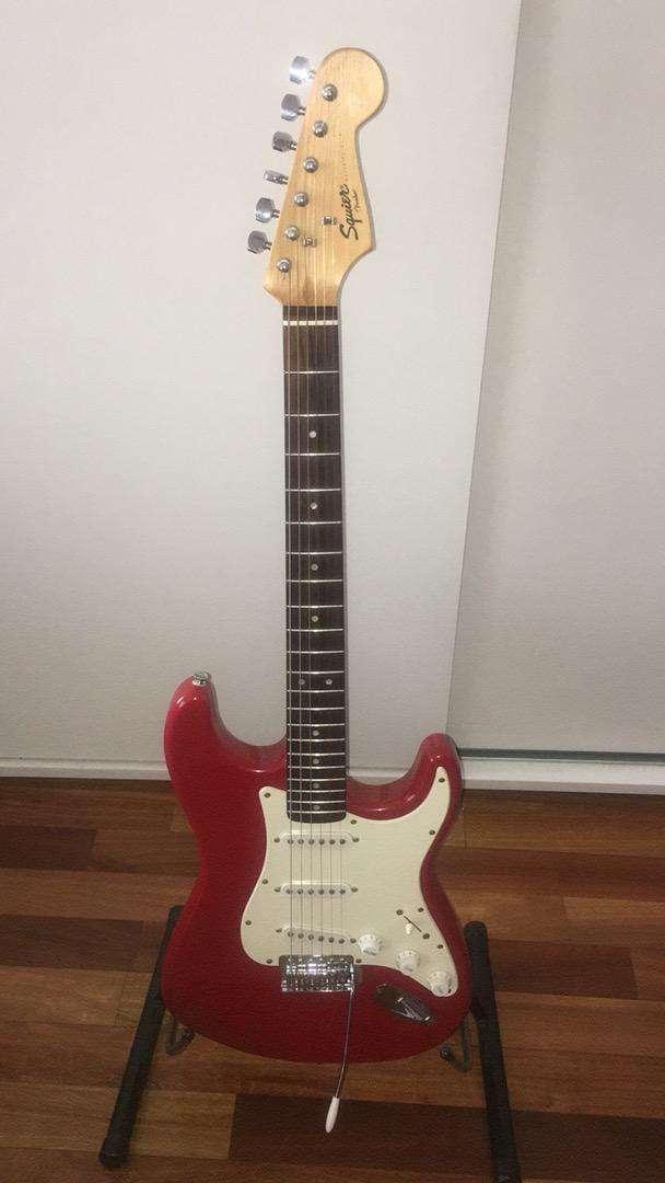 Guitarra stratocaster liquido! 0