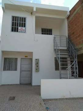 Se vende casa de 2 pisos independiente cada piso en los patios