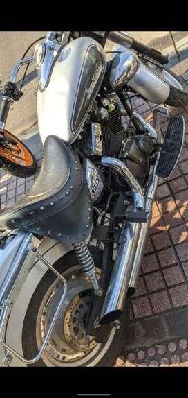 Kewaay , Speed Cruicer 250 cc motor en v