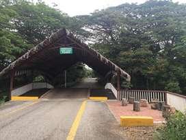 Se  Vende Terreno  en la  Urb. El Lago de Capeira, Guayaquil