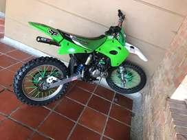 Moto kawasaki kx85