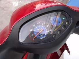 Moto Suzuki semi nueva