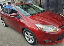 El carro está en perfectas condiciones estéticas y mecánicas