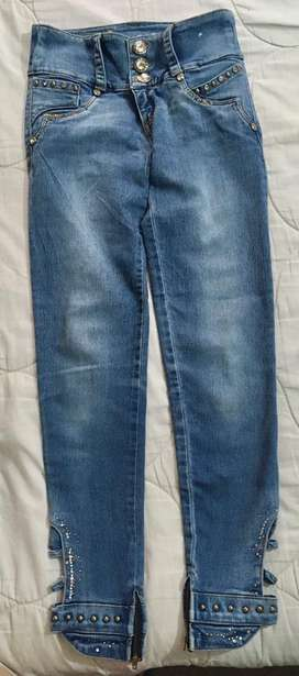 Jeans talla 6/S super levanta cola
