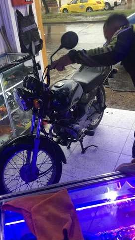 Busco mecánico para motos con alto grado de experiencia , y compromiso por favor enviar hoja de vida cr 50 #29c ~63