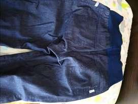Pantalón de jeans para futura mamá