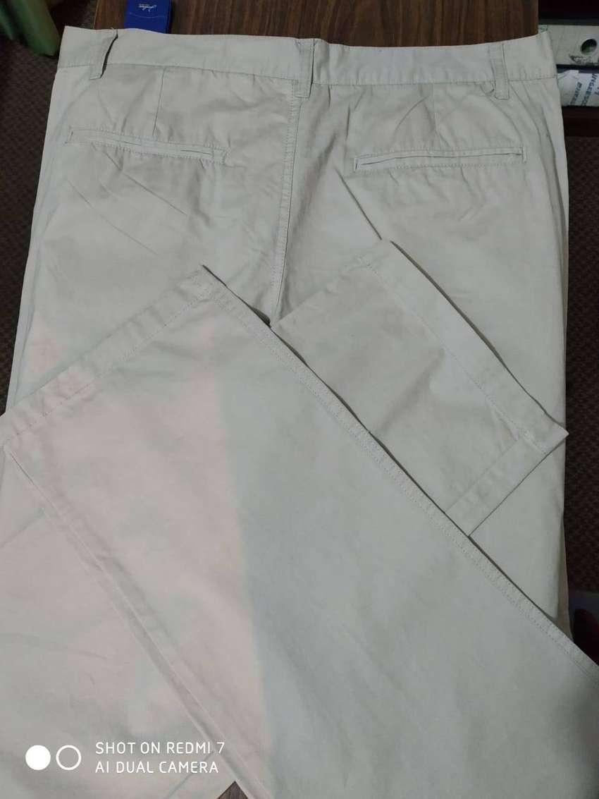 Pantalón Sport casual beige talla 36 RM original a excelente precio
