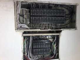 TÉCNICO ELECTRICISTAS