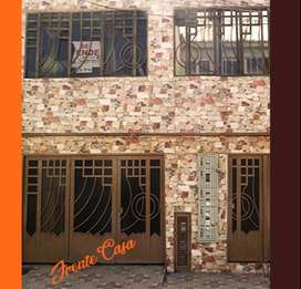se vende casa en castilla  con 2 apartamentos para renta. excelente ubicación  comercial para renta o negocio. castilla.