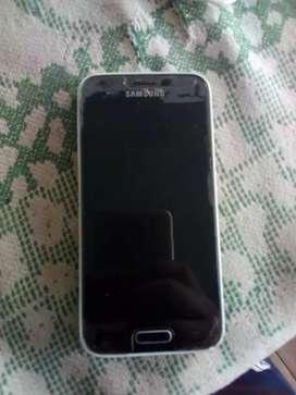 Se vende un telefono samsung S5 mini en buen uso y un telefono samsung S4 para repuestos a 35