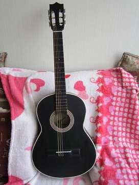 Guitarra acústica (Kit estuche + metodo)