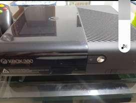 Vendo XBOX 360, 2 CONTROLES Y 9 JUEGOS ORIGINALES