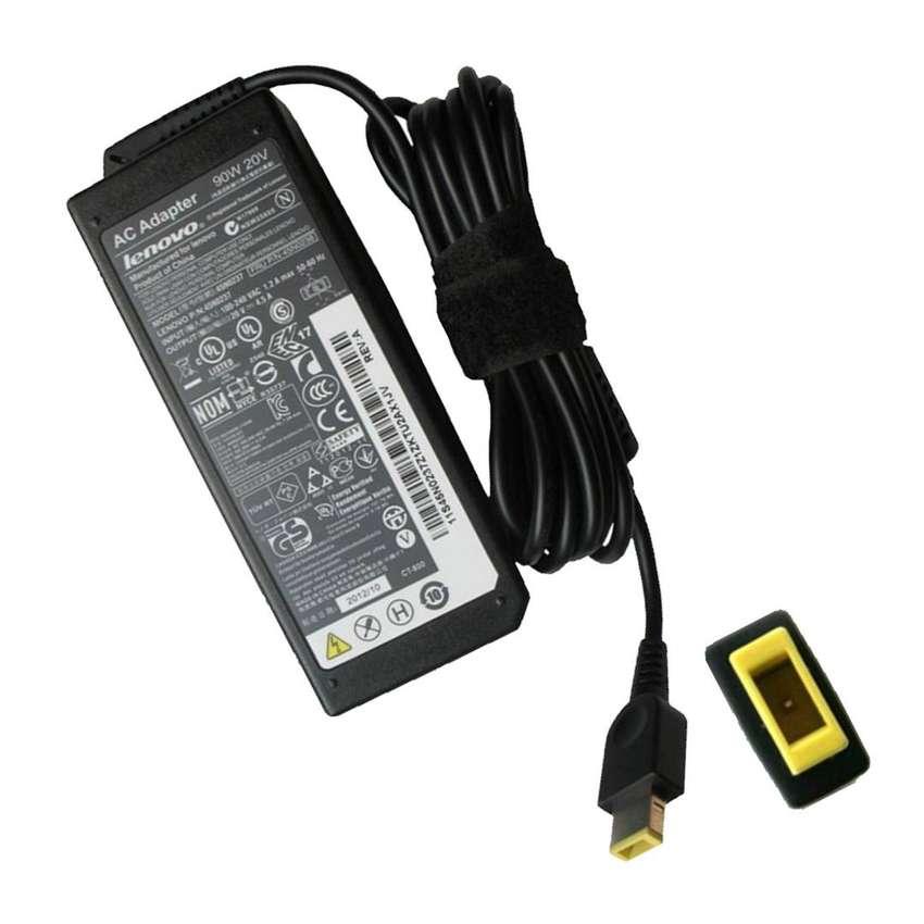 Cargador/adaptador Portatil Lenovo Punta Cuadrada 20V 3.25A