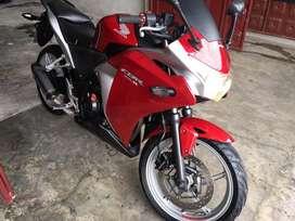 Vendo moto honda cbr 250 negociable