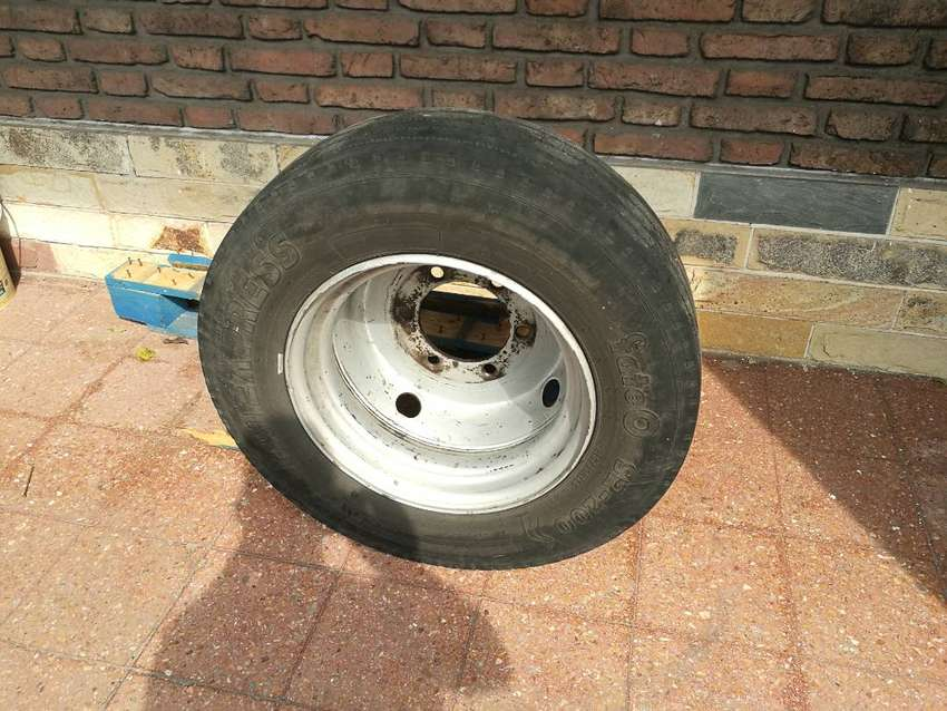 RUEDA 17,5 RADIAL IVECO MB FORD 0