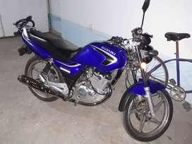 Suzuki en 125. Titular Al Dia. Fotos por whatsapp