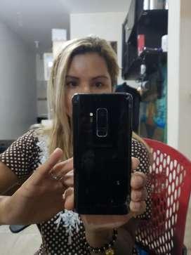 Samsung S9 plus poco trizado.